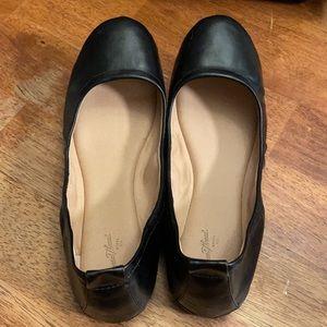 Universal Thread Black Ballet Flats